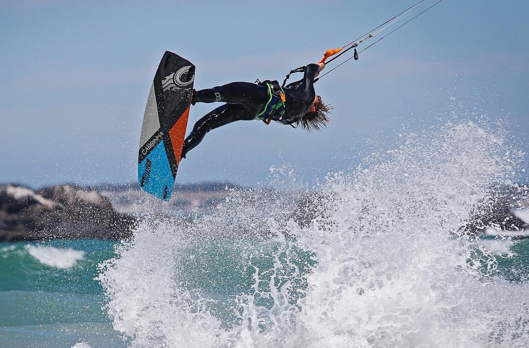 Kitesurf kiteboarding kitesurfing kiteboard women kitesurfer sport photo of the day image images photography Alberto Rondina en Afrique du Sud by mandiireland