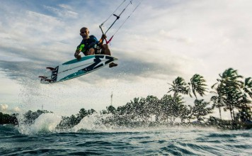 Kitesurf kiteboarding kitesurfing kiteboard women kitesurfer sport photo of the day image images photography Leprevost-Alexis