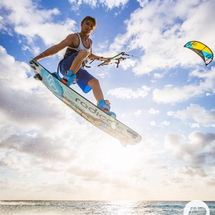 Kitesurf kiteboarding kitesurfing kiteboard women kitesurfer sport photo of the day image images photography Dylan van der Meij