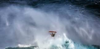 Kitesurf kiteboarding kitesurfing kiteboard women kitesurfer sport photo of the day image images photography kite surf jesse-richman-crash