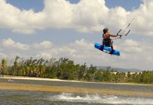 Kitesurf kiteboarding kitesurfing kiteboard women kitesurfer sport photo of the day image images photography kite surf felipe-moure-lopez
